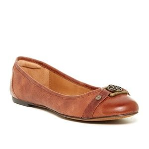 Isola Bricen Brown Leather Flats size 7